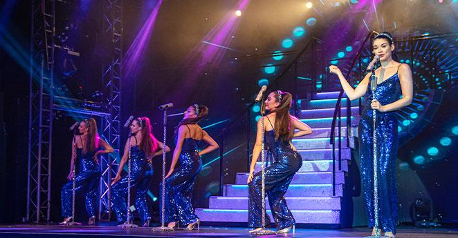 Dancing entertainment at Potters Resort
